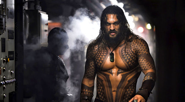 wallpapersden.com_jason-momoa-aquaman-2018-movie_wxl